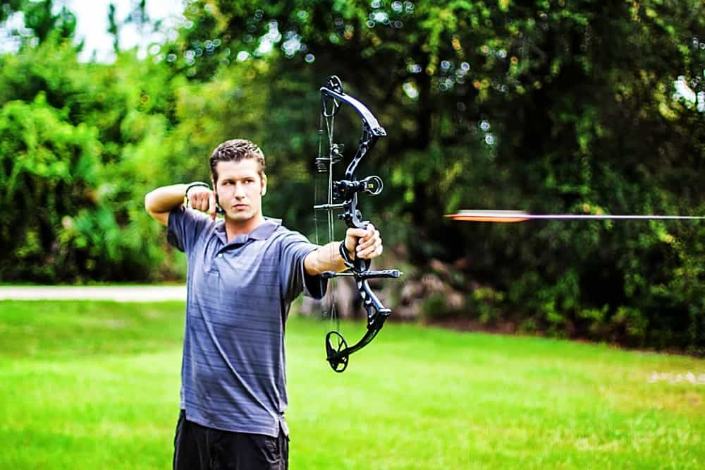 Should I Get a Crossbow or Compound Bow - bowsandarrowspro